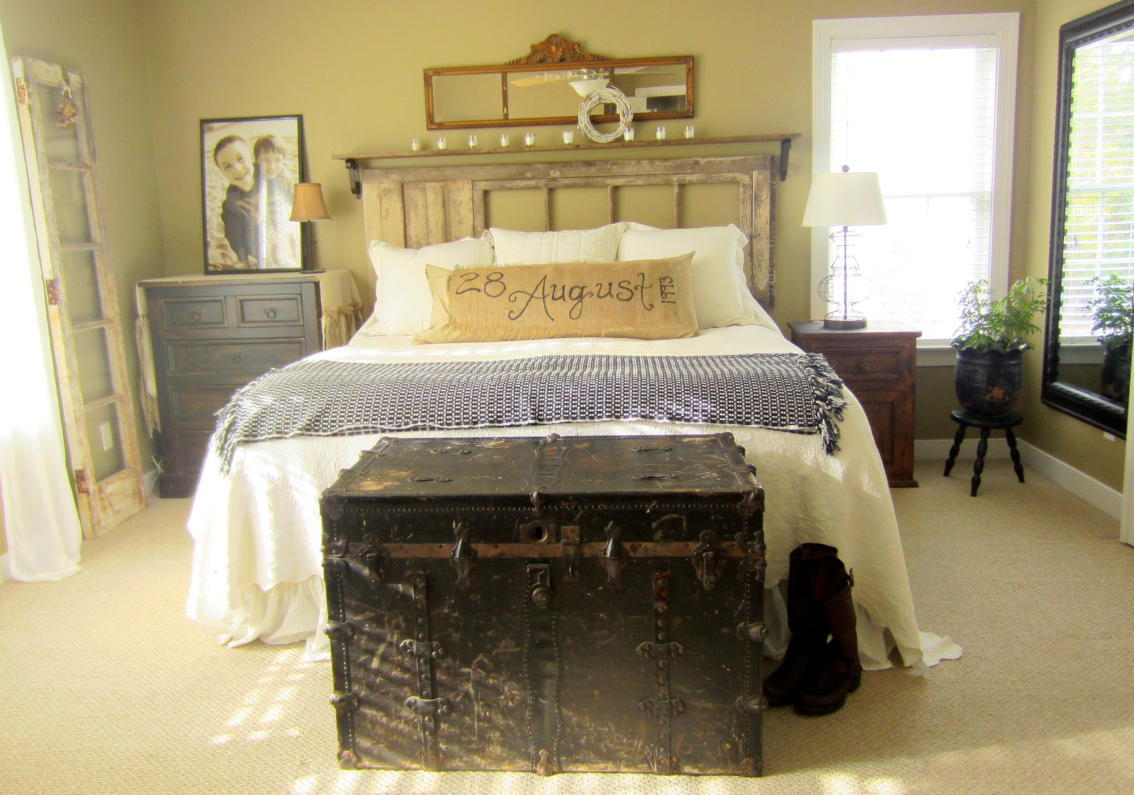 down to earth style vintage rustic master bedroom. Black Bedroom Furniture Sets. Home Design Ideas