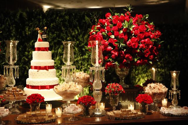 Decoração de casamento: vermelho e branco