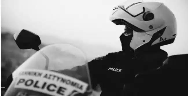 Αστυνομικός της ΔΙ.ΑΣ κρατούμενος στο Α.Τ Ακροπόλεως - Από ελεγκτής , ελεγχόμενος μετά από μήνυση αλλοδαπού!