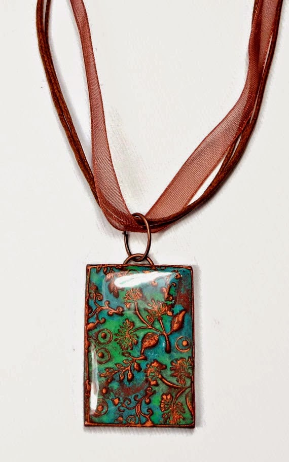 http://beadazzleme.blogspot.co.uk/2014/04/polymer-clay-free-tutorial-making-mold.html