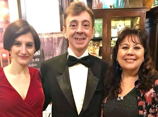 * Unidas la Cultura y Costumbres de Argentina y Rumania