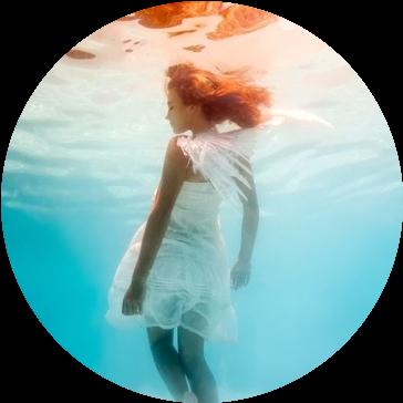 море и девушка