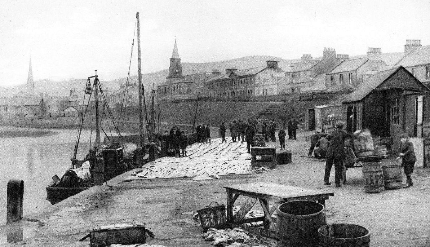 Tour scotland photographs old photograph fish market for Hagen s fish market