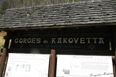 Rotulo que encontramos en el parquing delas Gorges de Kakouetta.