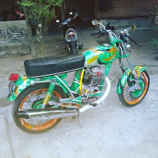 Foto Modifikasi Honda CB Ijo Orang Klaten