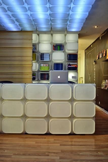Marzua estanter a y luminaria hecha con cajas de ikea - Cajas de ikea ...