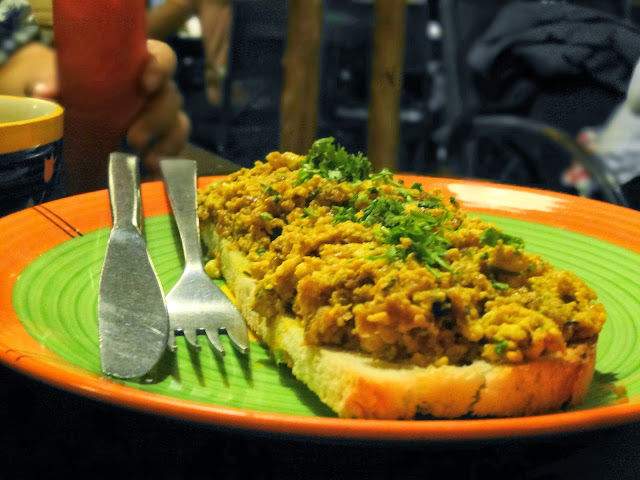 Egg bhurji at roots cage gurgaon