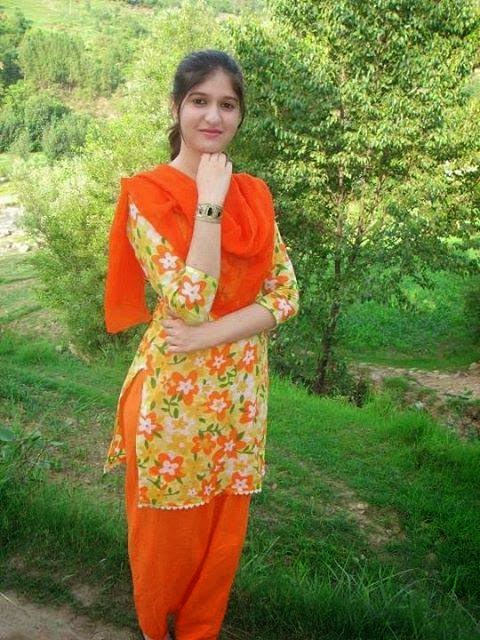 Local Pakistani Hot Girls Looks Cute HD Photos