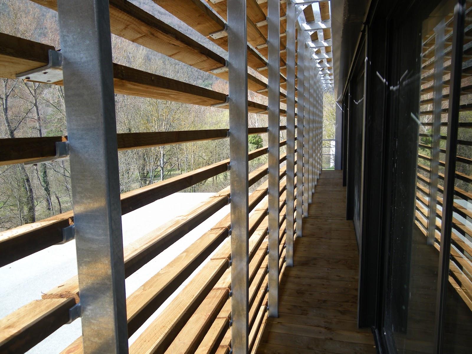 Brise Soleil Orientable Bois - Gite Emeraude Design& Nature u00ae Gorges du Tarn Gite Emeraude brise soleil en vue
