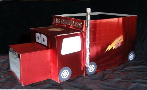 ... la película; Mack, que es el trailer que transporta al rayo mcqueen