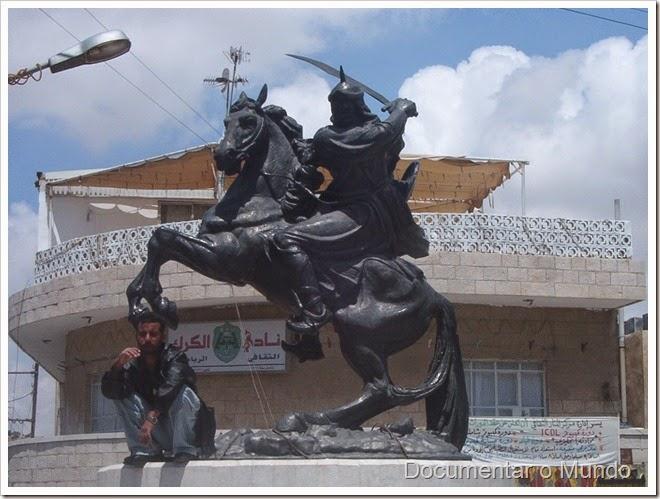 Estátua de Saladino; Castelo de Kerak; Jordânia; Kerak Castle; Jordan