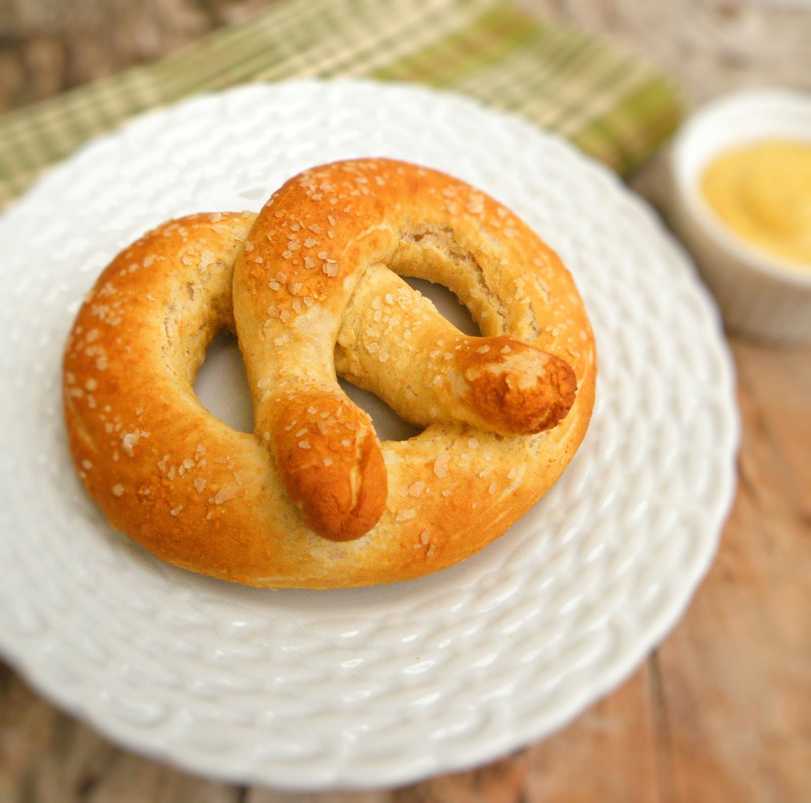 Vittles and Bits: Whole Wheat Soft Pretzels