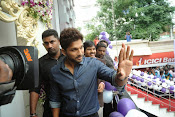 lot mobile store launch by allu arjun-thumbnail-3