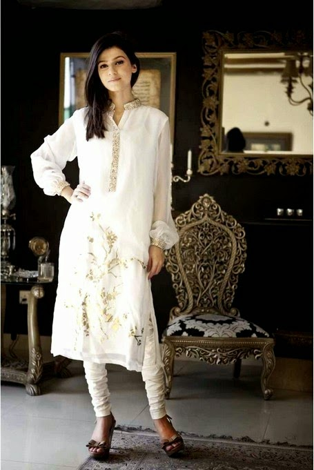Latest Pakistani Dresses by Maria.B
