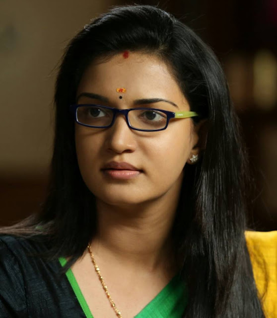 Honey Rose Profile and Photo Gallery