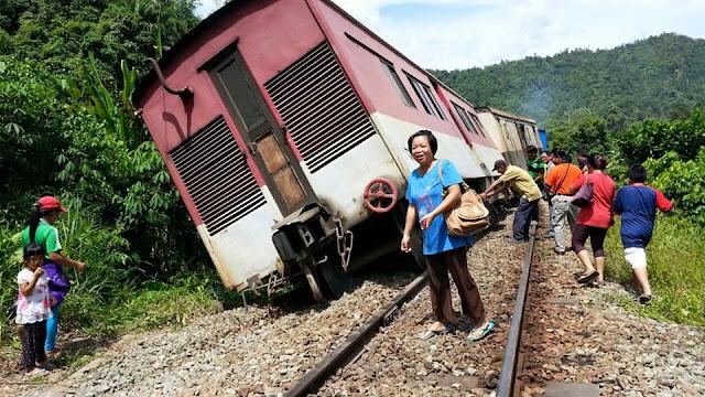 keretapi tergelincir