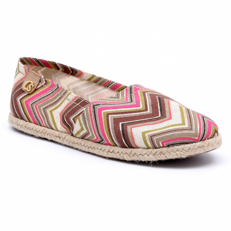Bueno, si bien hasta hace poco, no pensaríamos usar alpargatas hasta las épocas de Carnaval, las marcas de calzados en Bolivia ya empiezan a mostrar sus