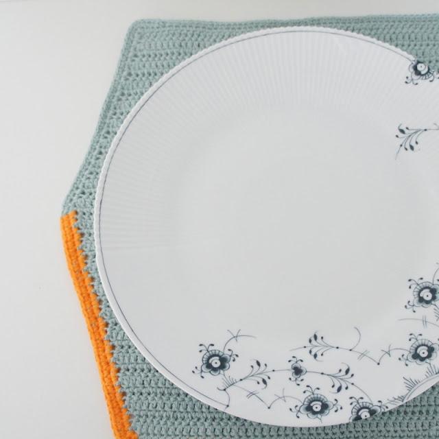 Hæklet geometisk dækserviet - DIY...