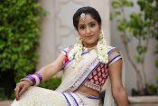 Actress Sony looking Gorgeous in Saree-thumbnail-18