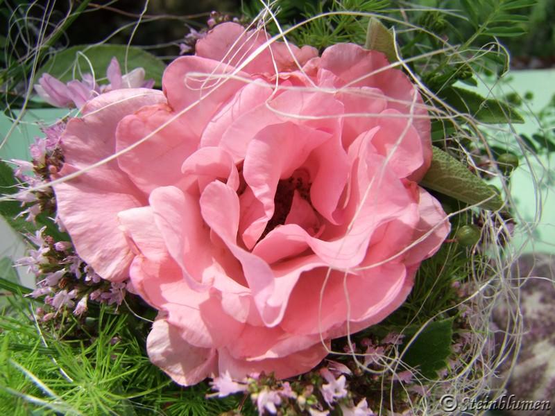Tischdeko mit rosa Rosen