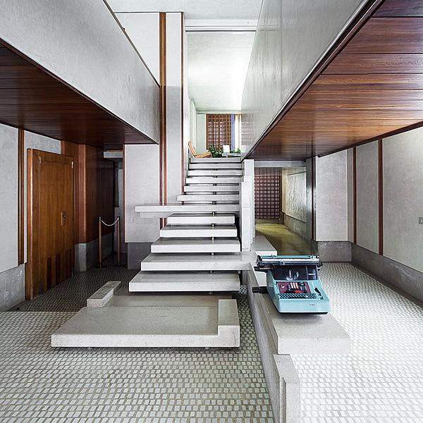 Ecomanta olivetti by carlo scarpa italian fashion week - Carlo scarpa architecture and design ...