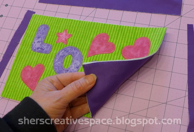 mug rug, mug rug tutorial, sewing tutorial, free sewing pattern, blog tutorial, free tutorial, valentine mug rug, valentine tutorial