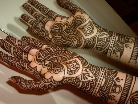 Beautiful-Mehndi-Designs-for-women