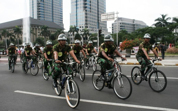 TNI, Polri dan Demam Sepeda