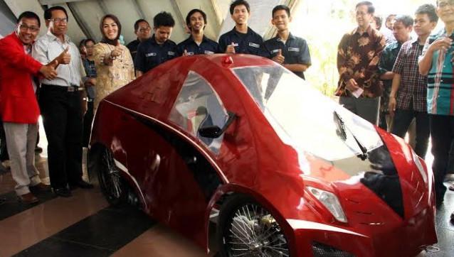Mahasiswa UNHAS Rakit 2 Mobil Hemat Energi, Siap Berlaga di Unibraw