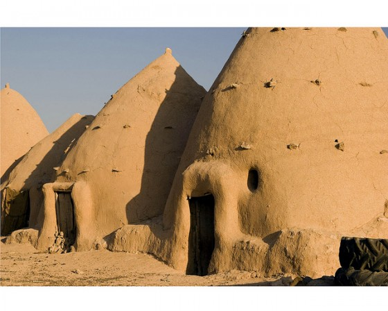 Thoughts on architecture and urbanism beehive shaped mud for Modern mud house architecture