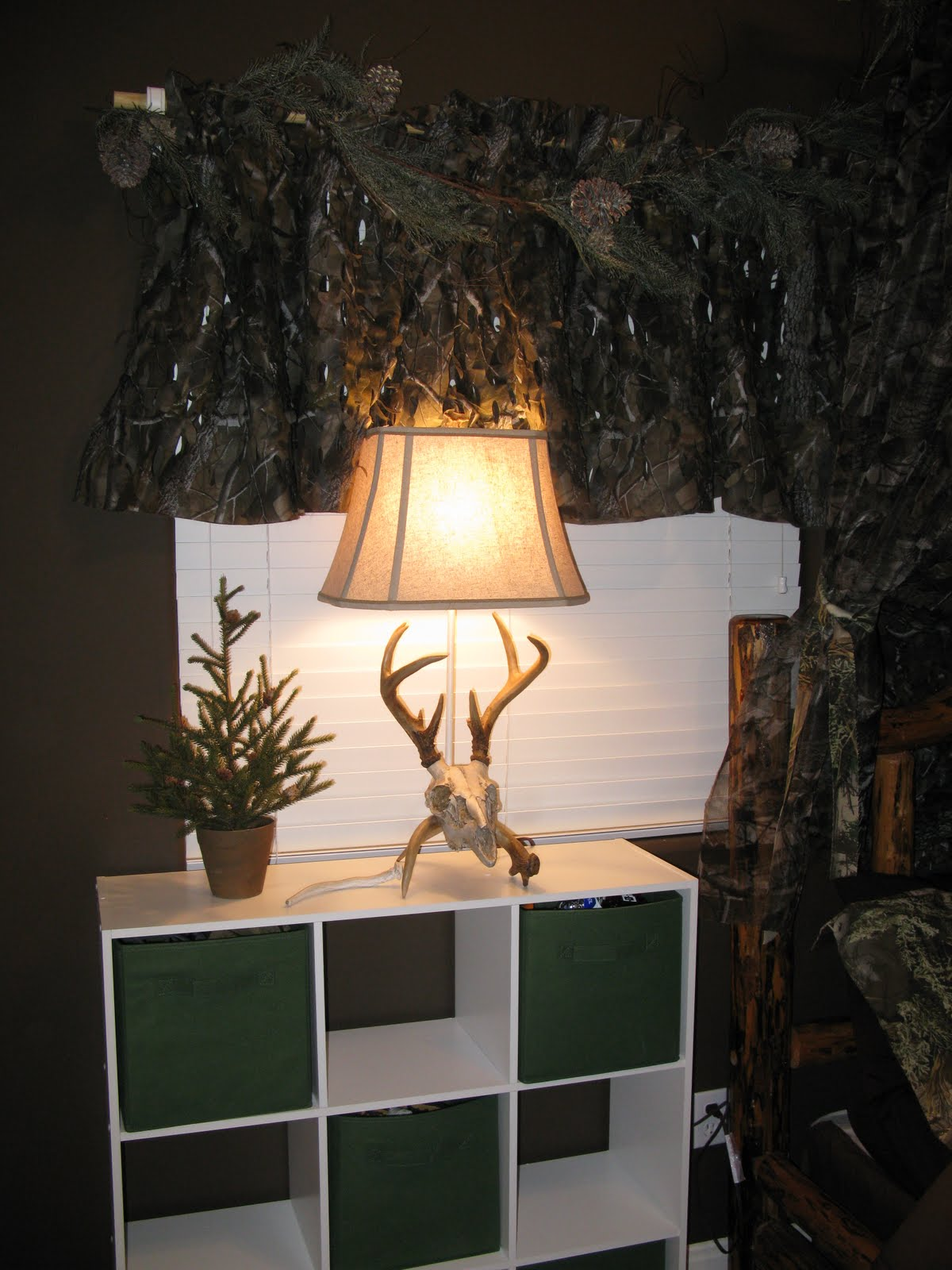 Realtree Hardwoods CamoThe Funky Letter Boutique  How to decorate a boys room in a  . Mossy Oak Bedroom Accessories. Home Design Ideas