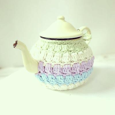 ByHaafner, crochet, puff stitch, tea cosy, pastel