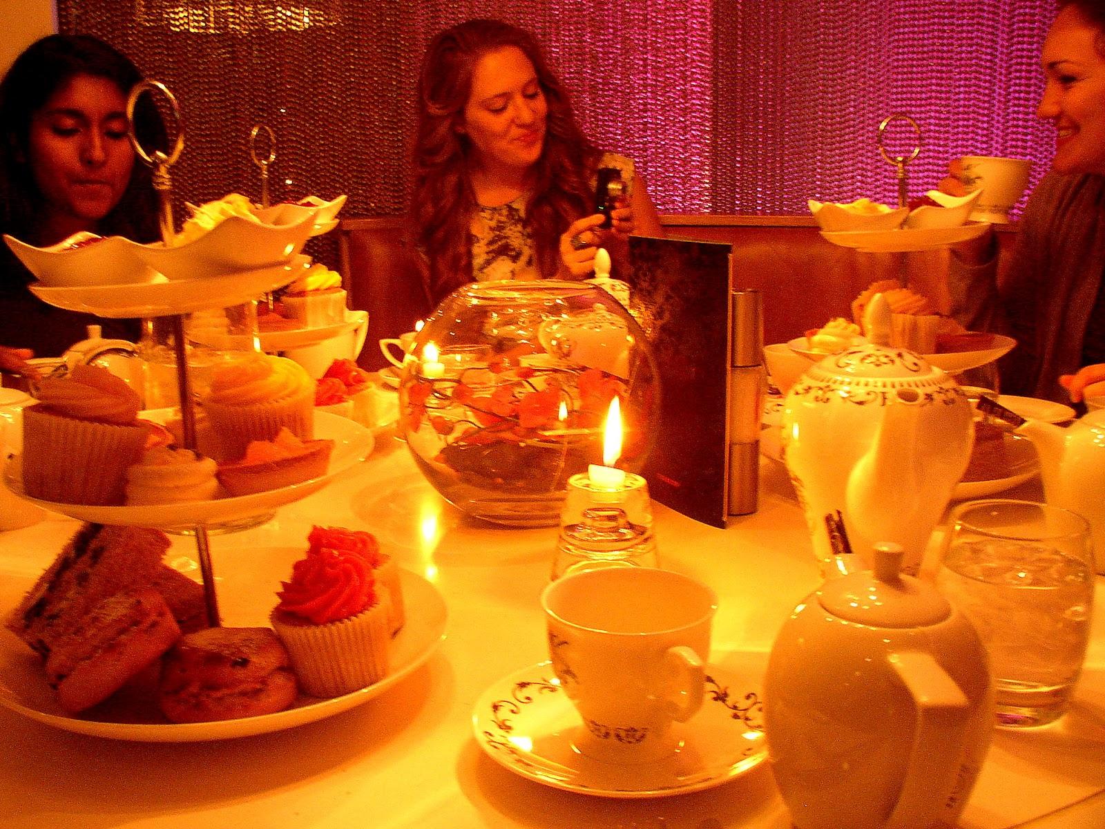 http://1.bp.blogspot.com/-ODuU9M1PAxw/T6e77PIxNoI/AAAAAAAAATU/oq4w3MCcxDc/s1600/Tea+Time+005.JPG