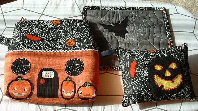 Negligent Style Spooky Trio