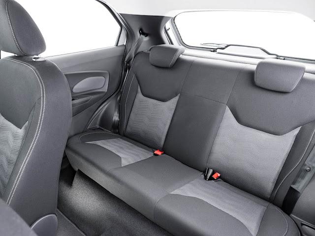 Novo Ford Ka 2016 - espaço traseiro
