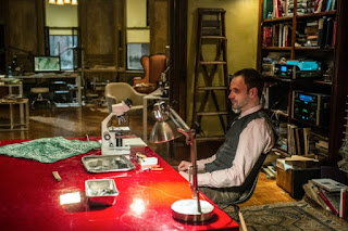 Jonny Lee Miller as Sherlock Holmes in CBS Elementary Episode # 16 Details