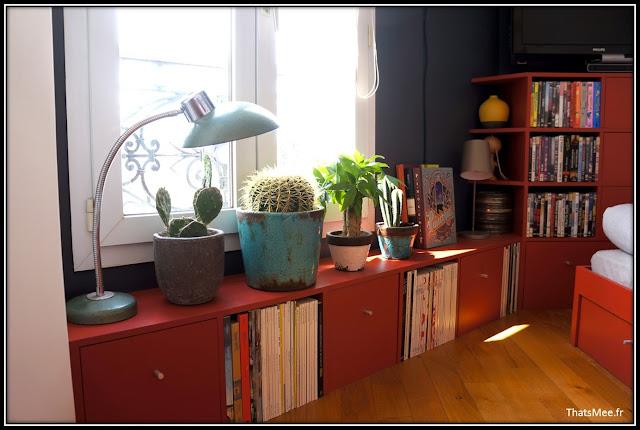 déco style loft 40m² meuble métier tiroir table Etsy 70s fauteuil club brocante, meubles bas rouges sur mesure home-made
