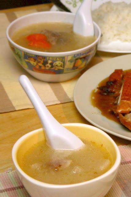 Comforting Daikon radish & carrot soup with pork bones...so delicious!