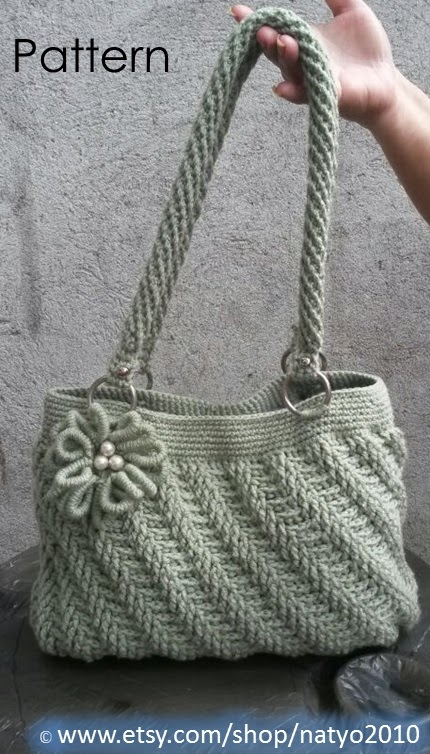 ... DOWNLOAD Diagonal Textured Purse with Bullion Flower - Crochet Pattern