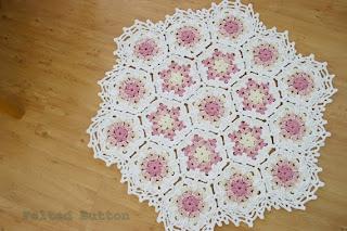 Vintage Fleur Blanket Crochet Pattern by Susan Carlson of Felted Button