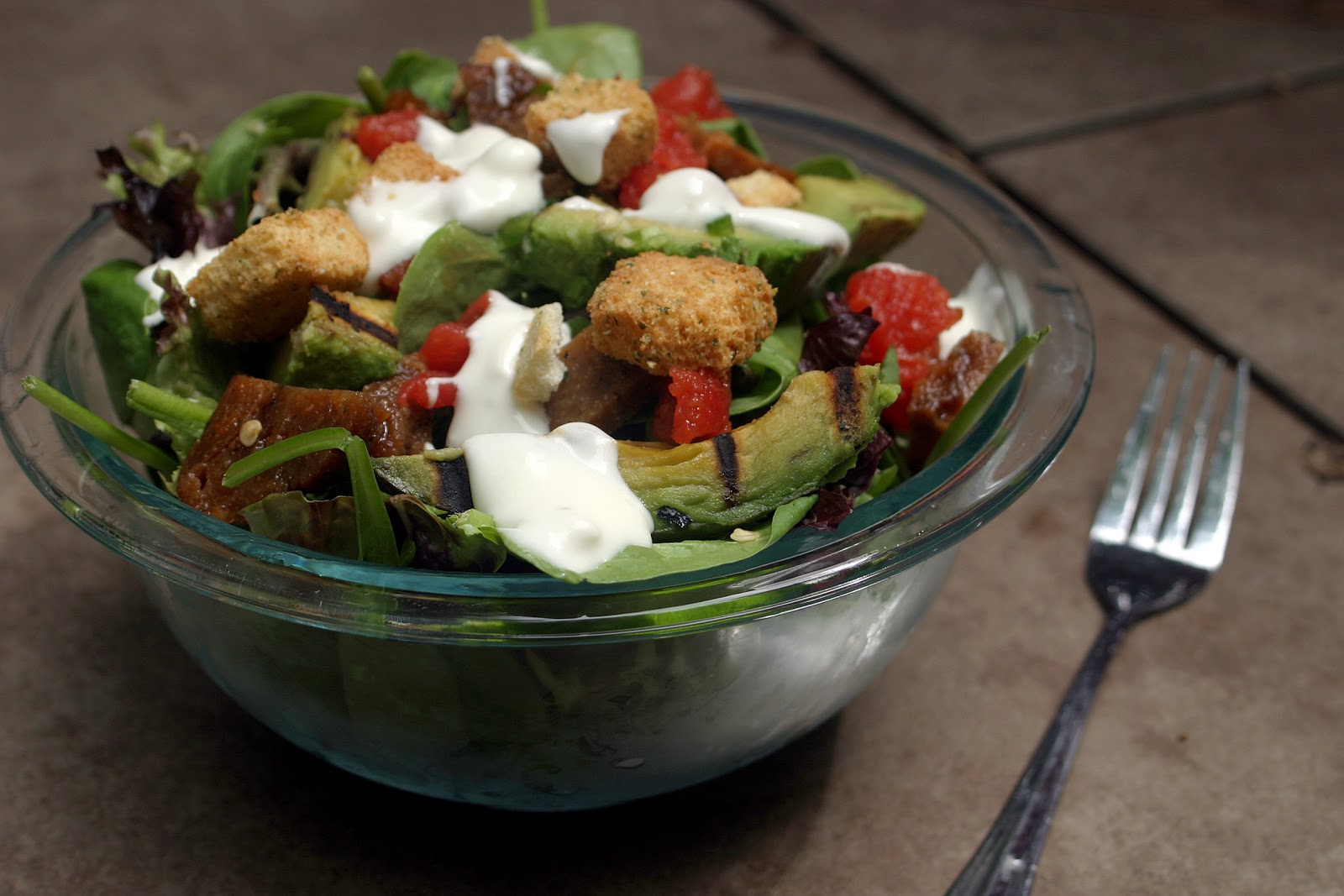 Grilled Avocado BLT Salad {Vegetarian}