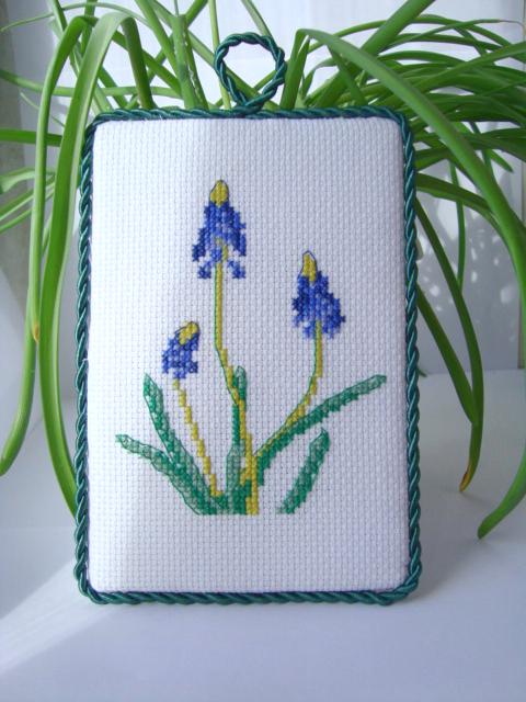 вышивка весенние цветы