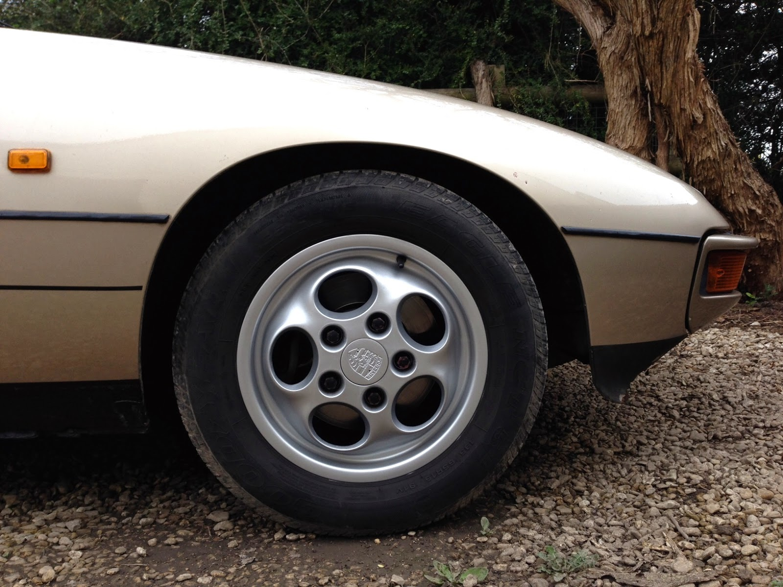 1987 Porsche 924S front wheel and tyre