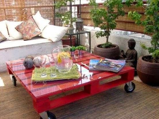 De casi todo un poco mas decoraci n low cost mobiliario for Mesas de palets para jardin