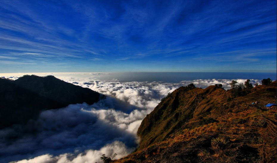 Hiking and Trekking Rinjani Volcano Lombok Indonesia