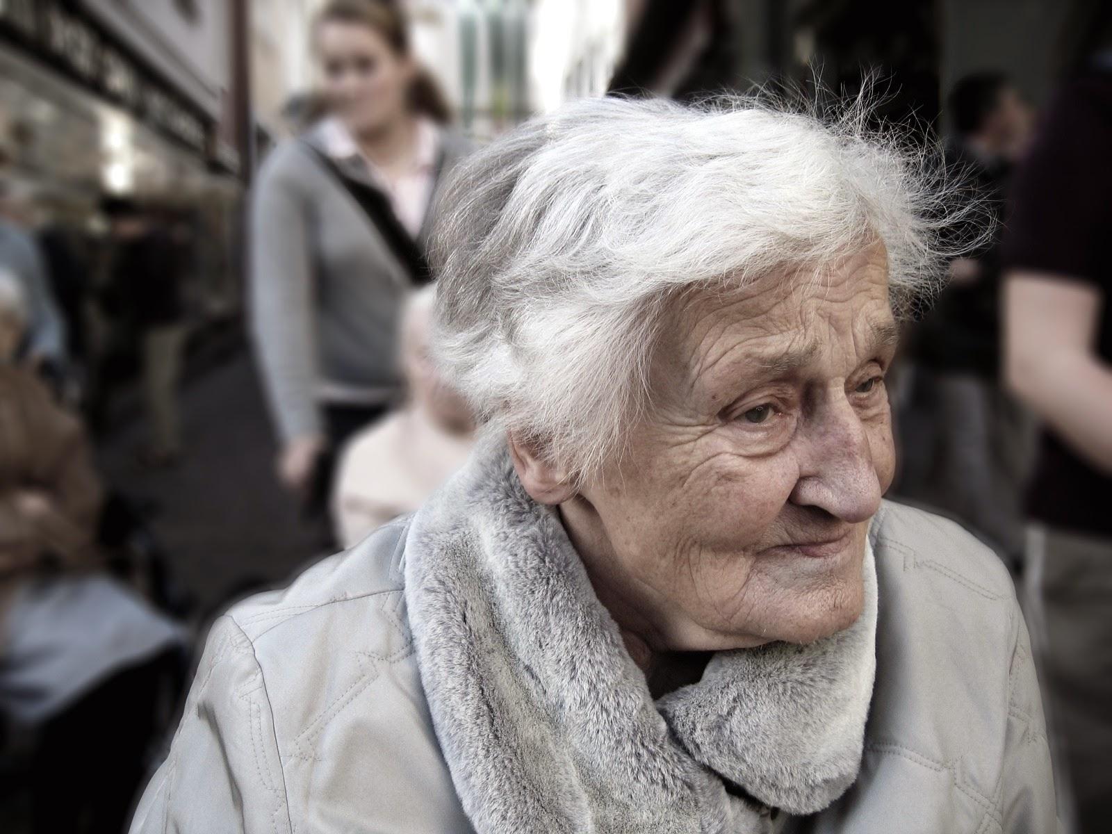 alte Frau