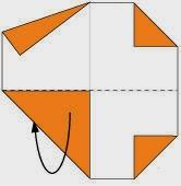 Bước 5: Gấp đôi cạnh dưới tờ giấy ra phía sau.