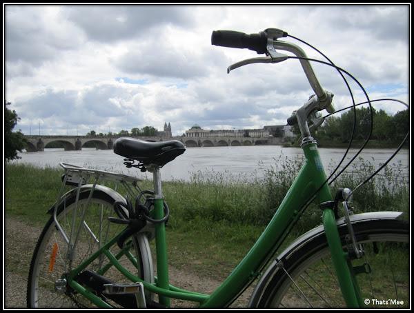 Bicyclette sur les Bords de Loire location vélo Tours Détours de Loire