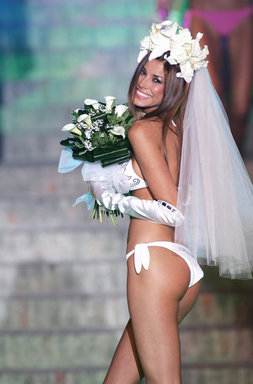 What do you think about getting married in a bikini ...