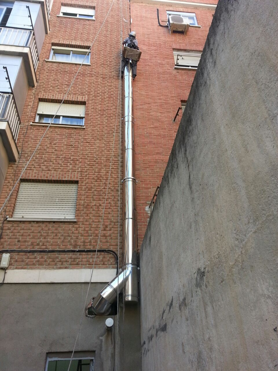 Colocación de tubos chimeneas